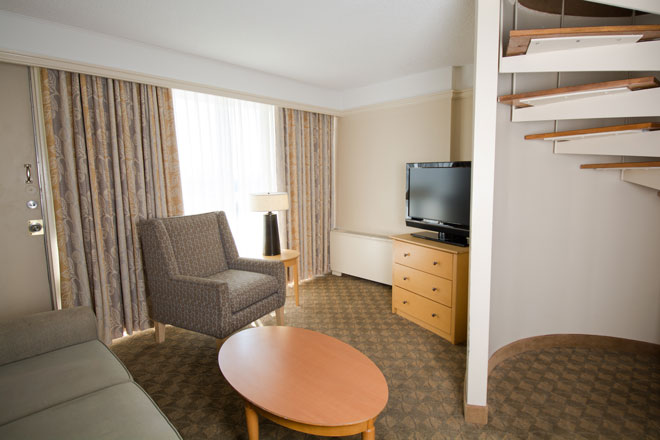 executive queen suite edmonton hotel